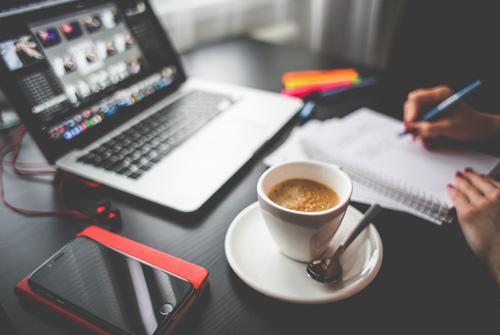 ¿Cómo hacer mi página web, sin morir en el intento, y que sea de éxito?