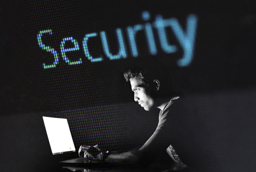 ¿Cómo proteger mi página web frente a ataques y hackers?