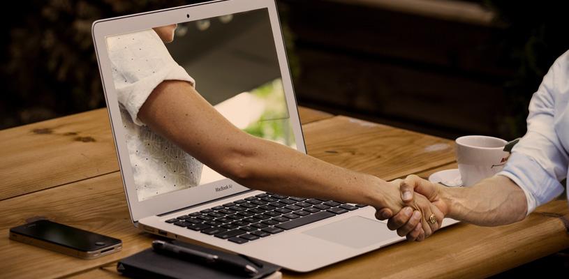 Escribir guest posts o artículos como invitado amplia tu cartera de clientes